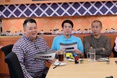(左から)ブラックマヨネーズ小杉、タカアンドトシ。(c)テレビ朝日