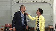 冷やし漫才に挑戦するカミナリ。(c)テレビ東京