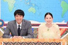 (左から)チュートリアル徳井、河北麻友子。(c)テレビ朝日