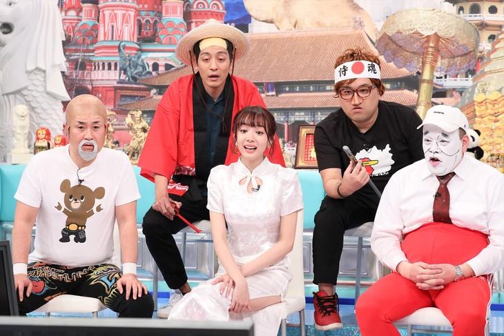 「世界東西まっぷたつ!クギヅケ映像バトル」に出演するEAST軍。(c)テレビ朝日