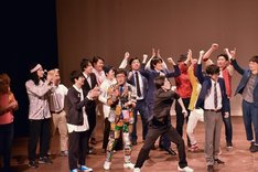 1勝して意地を見せたワタナベコメディスクールの現役生たち。