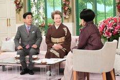 (左から)西川きよし、西川ヘレン、黒柳徹子。(c)テレビ朝日