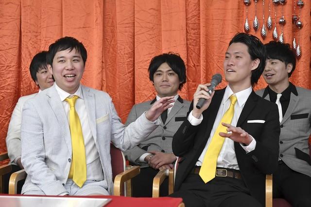 「漫才Loversスペシャル 第7回ytv漫才新人賞決定戦」ネタ順抽選会の様子。