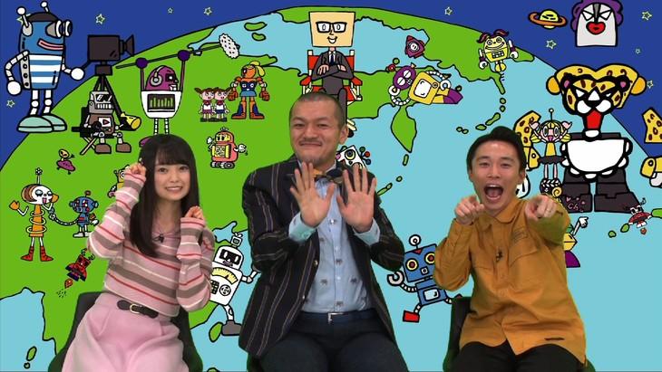 バラエティ番組「bot」MCのカミナリと樋渡結依(左)。(c)フジテレビ