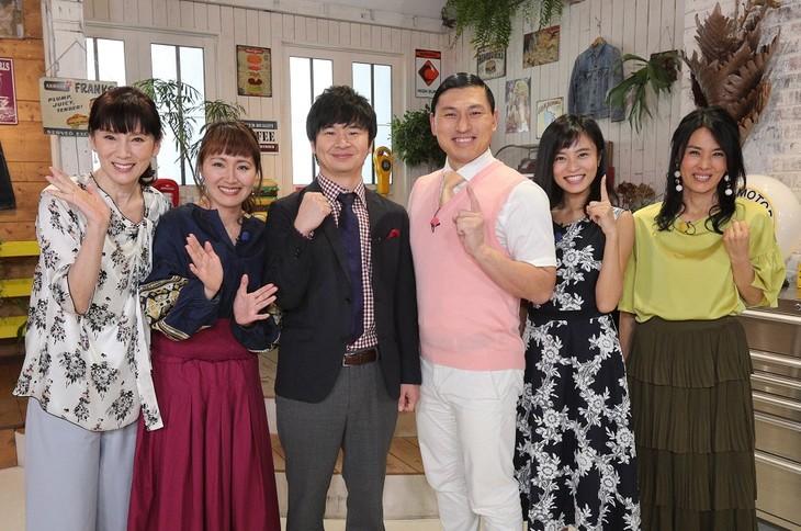 「日本を救うヒントがここに! ほっといたらこうなった」に出演する(左から)秋野暢子、丸山桂里奈、オードリー、小島瑠璃子、井森美幸。(c)関西テレビ