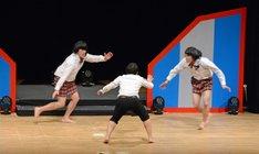最終決戦にて、舞台上を駆け回るハナコ。