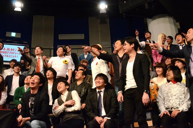 吉本坂46について理解があやふやな藤原社長にツッコむ芸人たち。