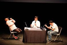 """おいでやす小田(中央)が語るヌートリアのエピソードに爆笑するダイアン。(撮影:日吉""""JP""""純平)"""