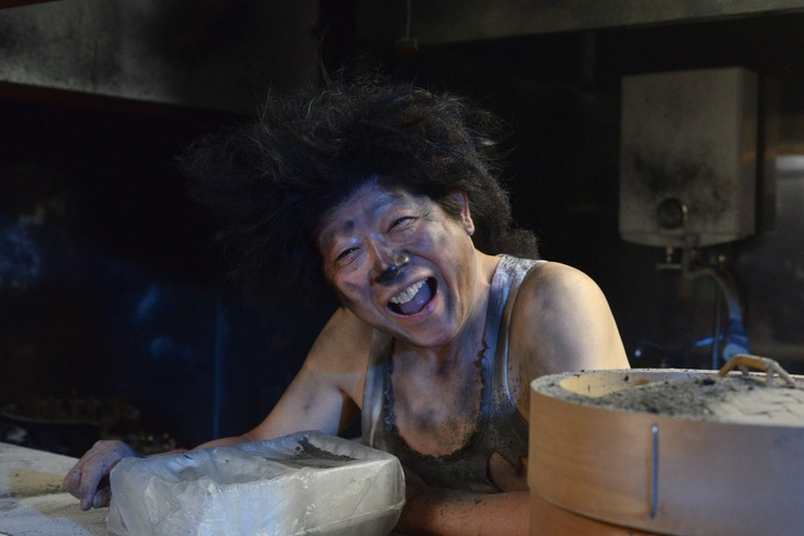 再現VTRに登場する笑福亭鶴瓶。(c)日本テレビ