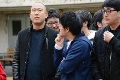 「吉本坂46」メンバーオーディションの1次書類審査発表の様子。