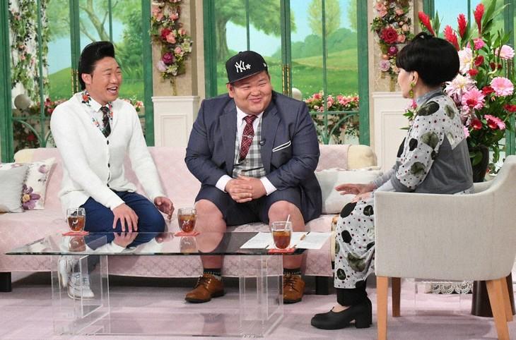 「徹子の部屋」に出演する(左から)ANZEN漫才、黒柳徹子。(c)テレビ朝日
