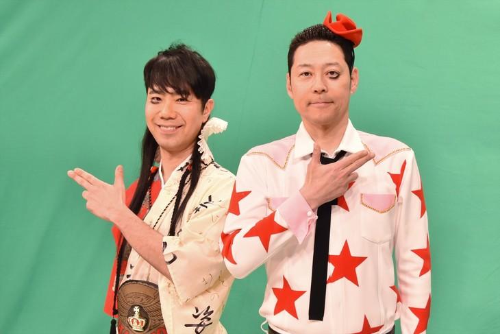 ライト東野こと東野幸治(右)と、レフト藤井こと藤井隆(左)。