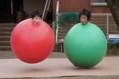 「天才バカボン3 ~愛と青春のバカ田大学~」のワンシーン。(c)日本テレビ