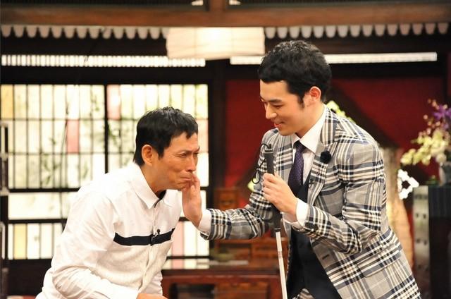 (左から)明石家さんま、濱田祐太郎。(c)関西テレビ