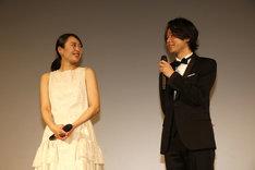 「美人が婚活してみたら」舞台挨拶の様子。