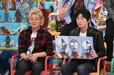 (左から)つるの剛士、博多大吉。(c)テレビ朝日