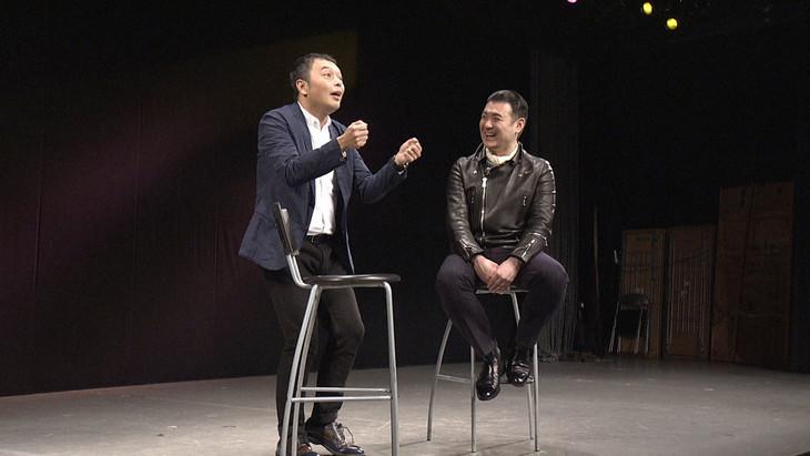 中川家・礼二(左)と竹本織太夫(右)。(c)NHK