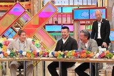 (手前左から)ビートたけし、ケンドーコバヤシ、高田純次。(c)テレビ朝日