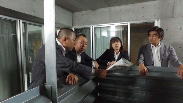 再現ドラマの出演者たち。(c)テレビ朝日