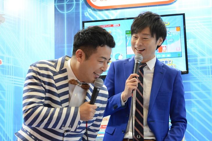 和牛・水田(左)のボケに「大きく振りかぶってボケましたやん」とコメントする和牛・川西(右)。