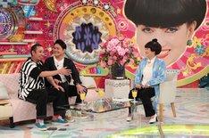 「徹子の部屋シミュレーション」に臨む千鳥(左)と、黒柳徹子役の友近(右)。(c)テレビ朝日