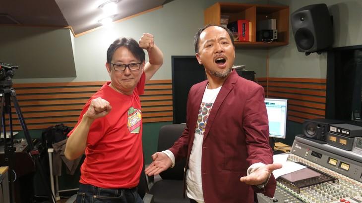 左からスージー鈴木、マキタスポーツ。