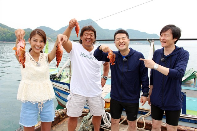 魚釣りに臨む「チーム愛媛」。(c)南海放送