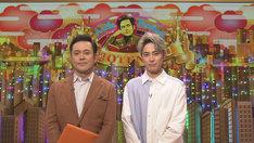 有田P(左)と間宮祥太朗(右)。(c)NHK