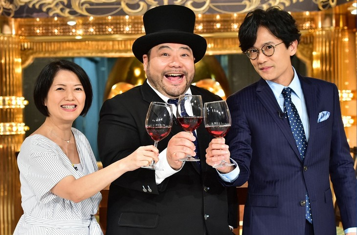 「ゴロウ・デラックス」に出演する(左から)外山惠理アナ、髭男爵・山田ルイ53世、稲垣吾郎。(c)TBS