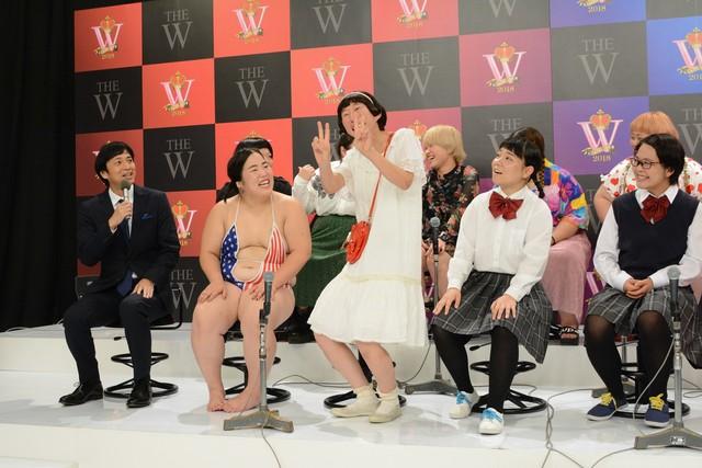 「女芸人No.1決定戦 THE W」開催会見の様子。