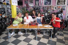 「ザ・カセットテープ・ミュージック 鈴鹿8耐SP」の出演者たち。(c)BS12