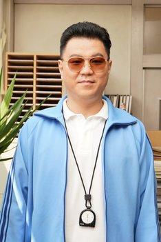 シソンヌ長谷川演じる反町先生。(c)日本テレビ