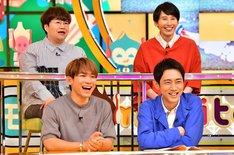 ハリセンボン(後列)(c)TBS