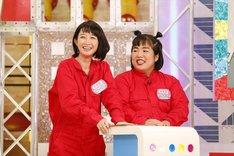 (左から)竹上萌奈アナ、ゆりやんレトリィバァ。(c)関西テレビ
