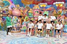 踊りたくない芸人とDA PUMPのISSA(左)。(c)テレビ朝日