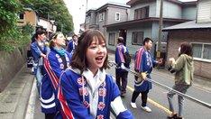 ロケに臨む和田まあや。(c)テレビ東京