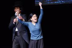優勝した藤子(右)。