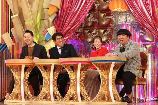 (左から)バナナマン設楽、石橋貴明、今田美桜、バナナマン日村。(c)フジテレビ
