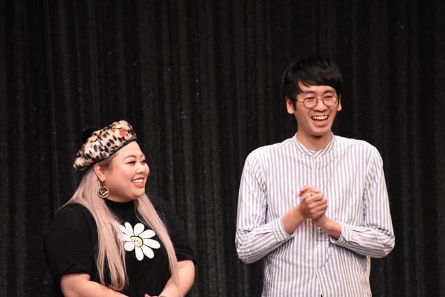 シャッフルトークのコーナーで2人きりになる渡辺直美とコマンダンテ安田。