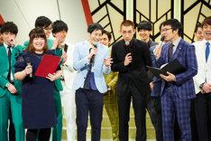 「よしもと漫才劇場4周年記念記者会見」には東京からやさしいズらも出席。