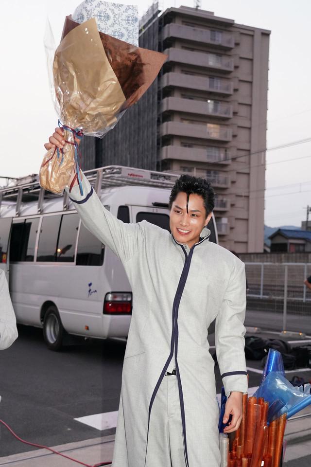片桐智司役の鈴木伸之。