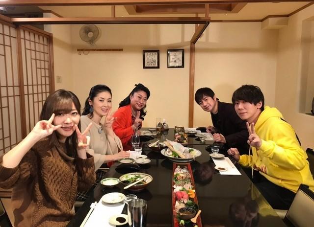 「指原・羽鳥・古市の博多贅沢ツアー」の参加者たち。(c)日本テレビ