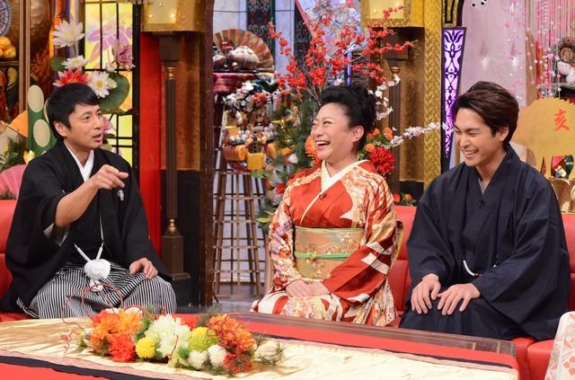 「今夜くらべてみました 超人気俳優もDA PUMPも直美も!!元日から超豪華3時間SP」スタジオパートのワンシーン。(c)日本テレビ
