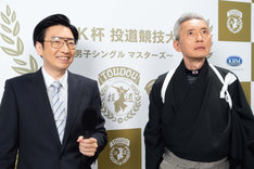 「投道」より、小林賢太郎(左)と松重豊(右)。(c)NHK