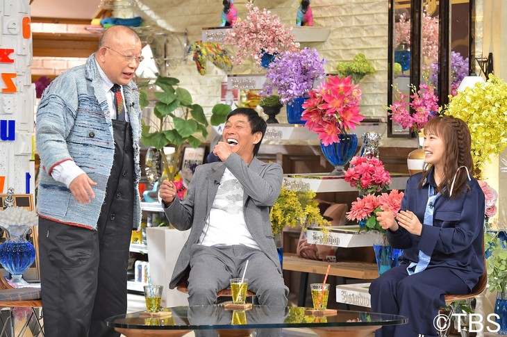 「A-Studio」に出演する(左から)笑福亭鶴瓶、明石家さんま、川栄李奈。
