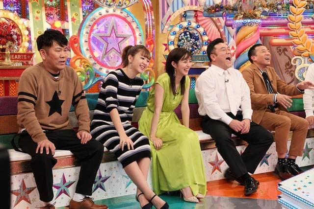 スタジオ出演者たち。(c)テレビ朝日