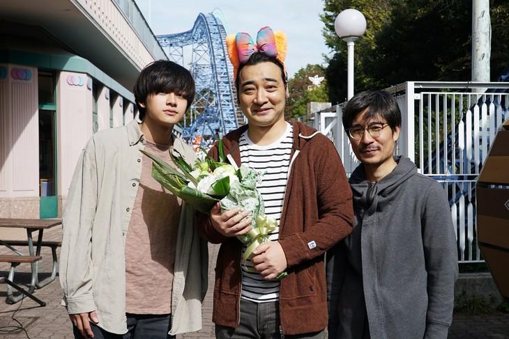 左から北村匠海、ジャングルポケット斉藤、月川翔。