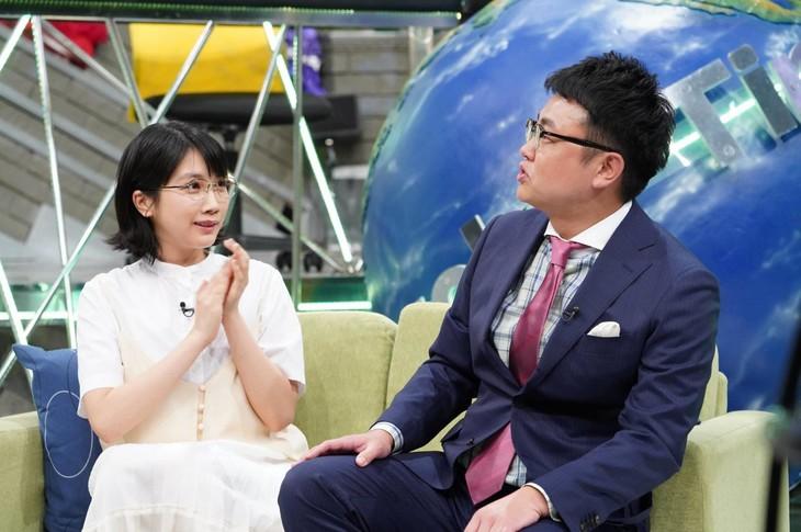 「全力!脱力タイムズ」に出演する(左から)松本穂香、銀シャリ橋本。(c)フジテレビ