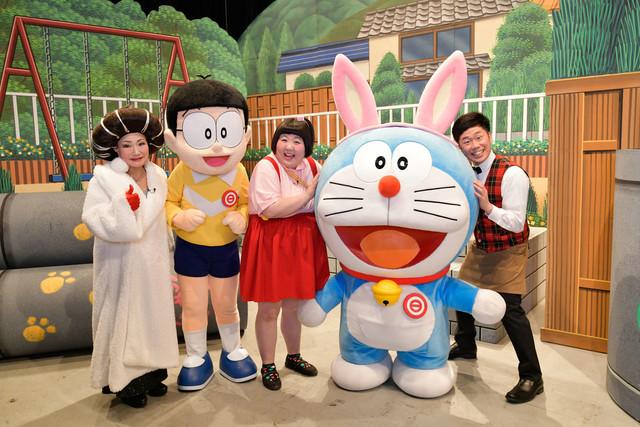 左から末成由美、のび太、酒井藍、ドラえもん、吉田裕。