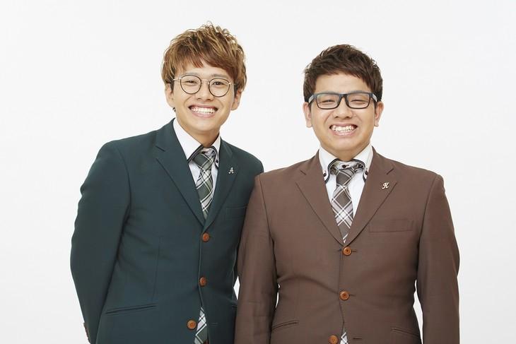 「Quick Japan 創刊25周年LIVE」でMCを務めるミキ。